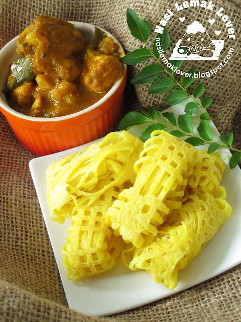 Nasi Lemak Lover: Roti Jala (net crepes) and Chicken Masala Curry