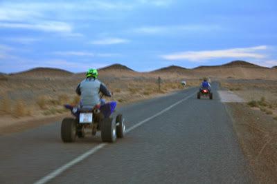 viajes a marruecos, viajes al desierto, arfoud, bereber, tambores