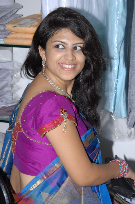supriya in saree hot images