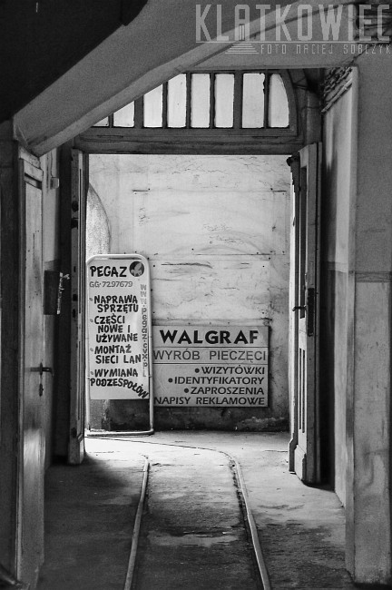 Ostrów Wielkopolski: tory w bramie