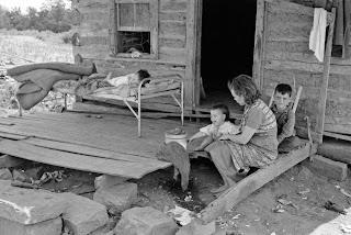 http://2.bp.blogspot.com/-Xh9Z7YT_quk/UHw2x8L0FbI/AAAAAAAAQ40/T11CNaMxyqA/s320/Russell+Lee+-+Front+porch+of+tenant+farmer%27s+house+near+Warner,+Oklahoma,+1939.jpg