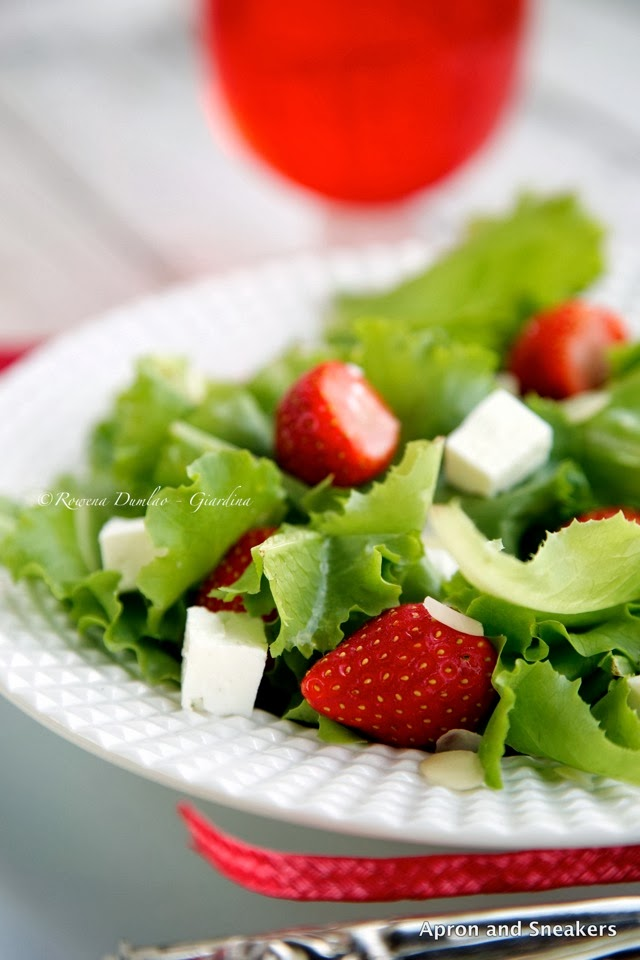 ... - Cooking & Traveling in Italy and Beyond: Strawberry and Feta Salad