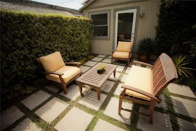 small-backyard-patio
