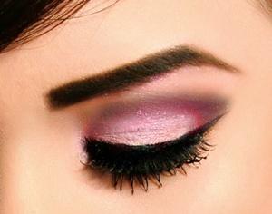 maquillaje de ojos para la primera cita