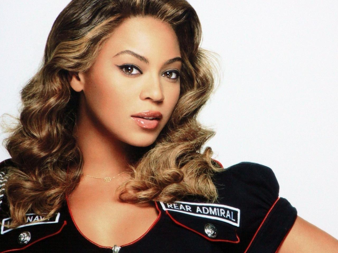 Beyonce mostrandoce como Dios la trajo al mundo 161 Todo con Estilo