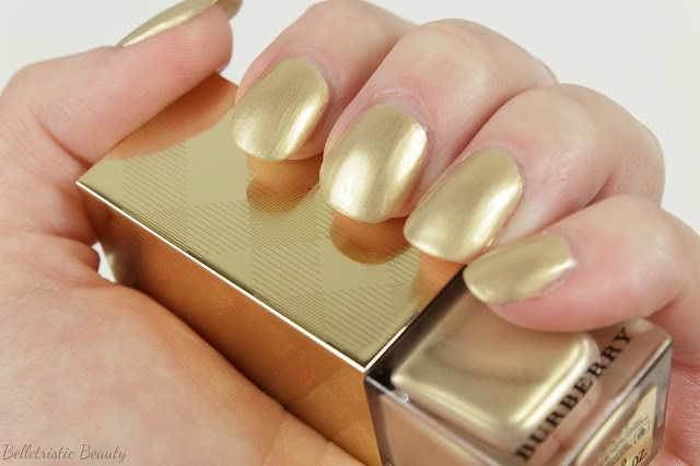 Burberry Light Gold No. 107 Nail Polish Swatch, Golden Light, Festive Gold Beauty Makeup Holiday 2013, in indoor lighting