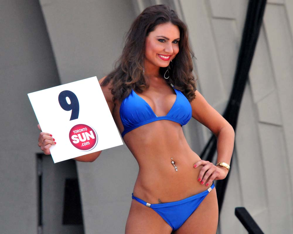 Chin Bikini Contest