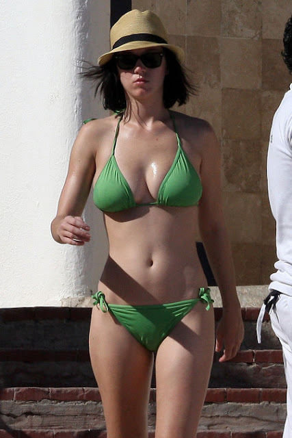 Hot Katy in Green Bikini