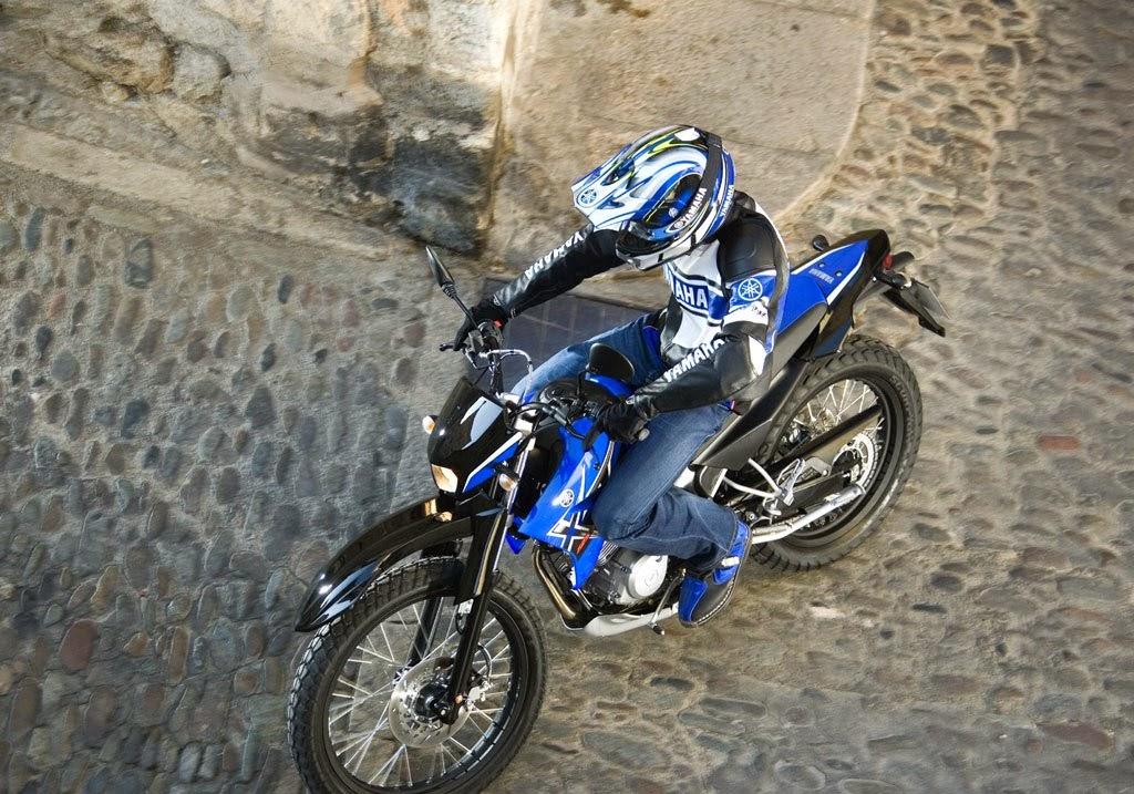 Yamaha WR 250 R Bikes