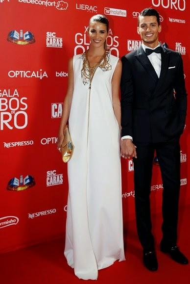 XX Gala Globos de ouro carpete vermelha  Francisca Pérez em Miguel Vieira