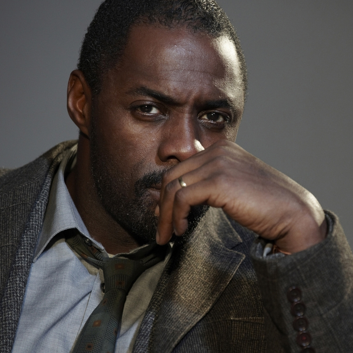 http://2.bp.blogspot.com/-Xi9wcN1iTIA/UD1rW-BLIII/AAAAAAAAI1g/VawHUx85pOw/s1600/Idris+Elba.jpg
