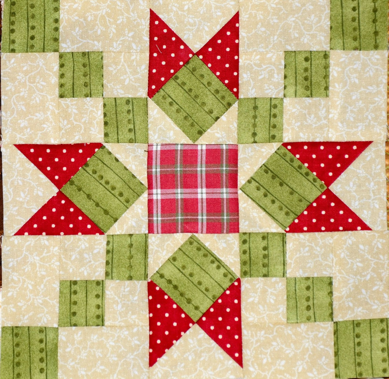 Sew'n Wild Oaks Quilting Blog: Christmas Quilt Along - Post #2 : patchwork and quilting blogs - Adamdwight.com
