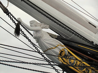 figurehead, bow, ship, woman, Cutty Sark, visit, London, maritime, old, waves, resorted