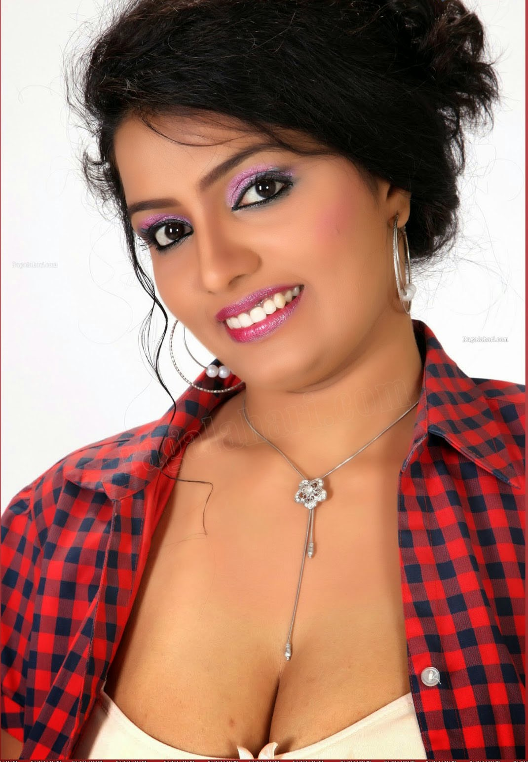 indian wife hanimoon bech sexy photo