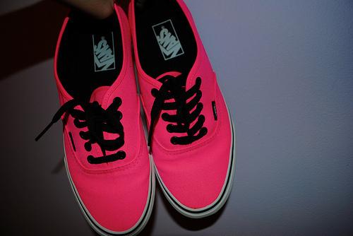 vans neon roze