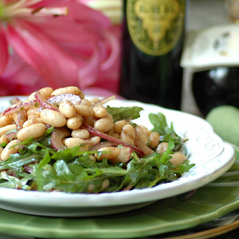 Arugula, Cannelini and Red Onion Salad