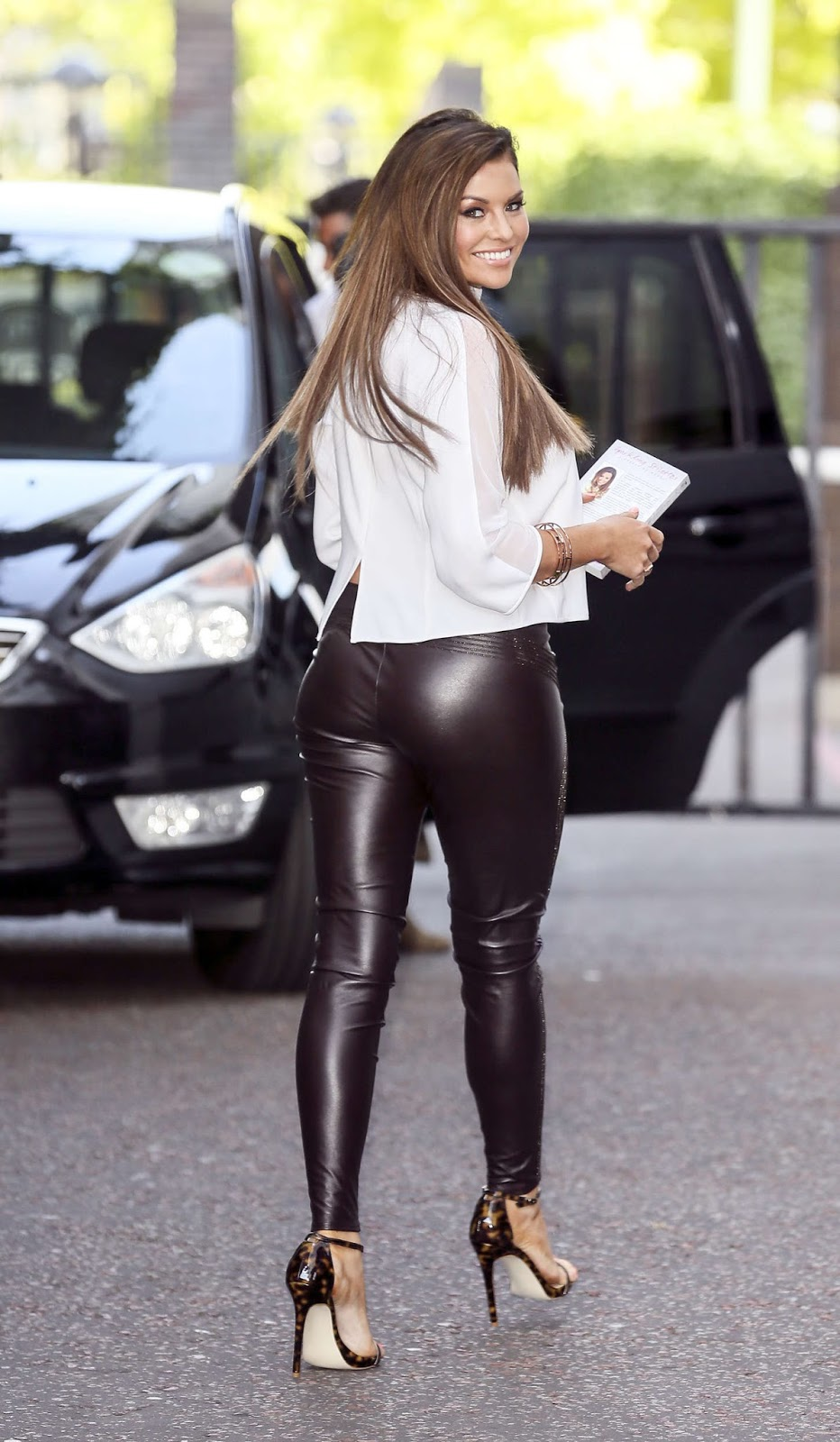 Girl in leather pants porn - New porno