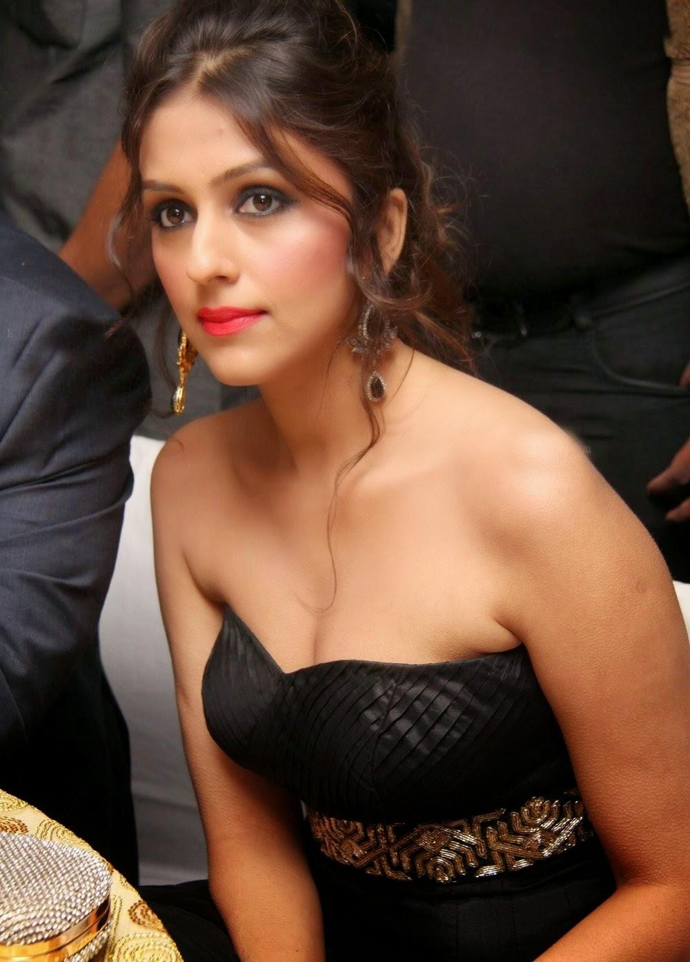 Actress Aarti Chabriya...