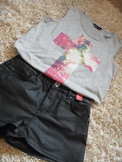 Leather Shorts, Cross Tshirt, River Island Shorts, Festival looks
