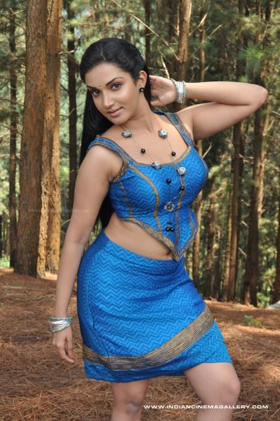 Tamil Actress Honey Rose