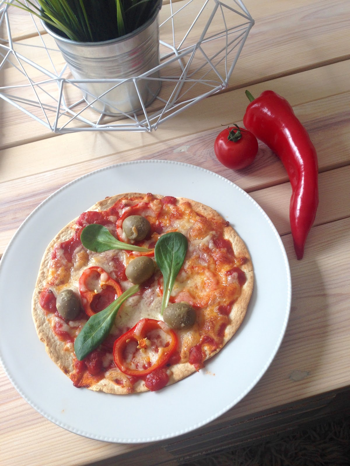 TheBlondeLion Food Pizza Tortilla Healthy eating Clean Fitness Recipe