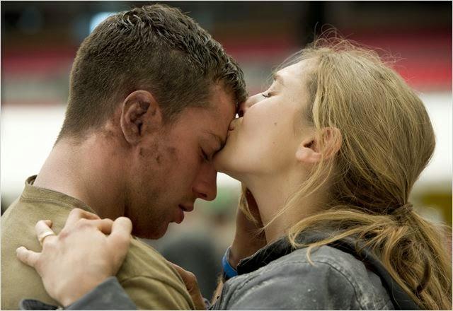 """Aaron Johnson y la actriz Elizabeth Olsen en """"Godzilla"""""""