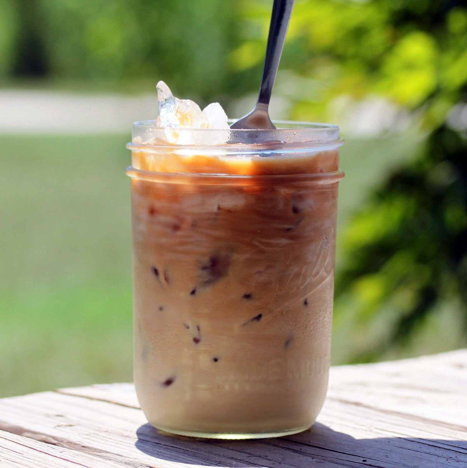 As a Chicago woman's lawsuit puts iced coffee in the spotlight, cafes from San.