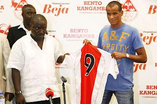 El nuevo equipo de Rivaldo es del futbol de Angola
