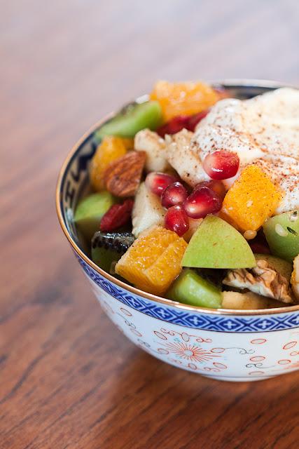 Salata od svježeg voća i orašastih plodova