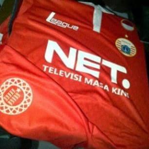 gambar terbaru dan bocoran jersey persija ome away third terbaru musim depan 2015/2016 kualitas grade ori made in thailand