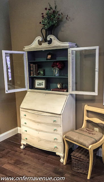 Fern_Avenue_Secretary_Desk