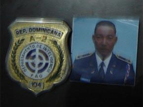 ¡URGENTE! El PRD retiene a un oficial de la FAD que supuestamente compraba cédulas en Los Mina