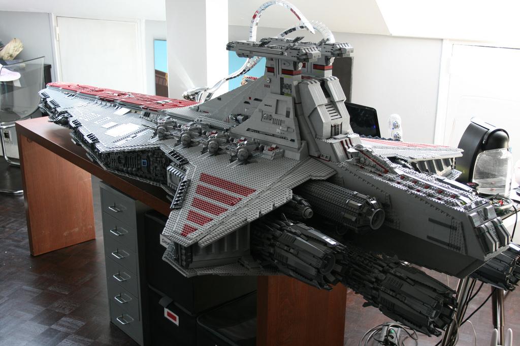 Как сделать корабль звёздные войны 789