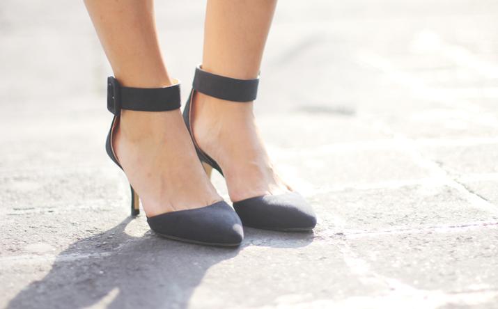 Zapatos atados al tobillo