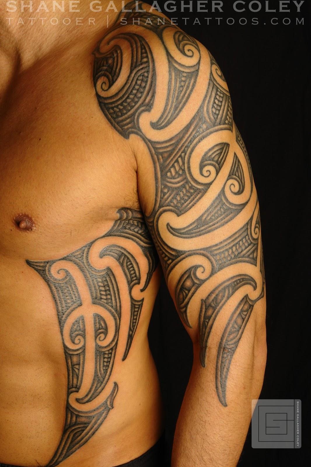 maori polynesian tattoo maori sleeve and side tattoo ta moko. Black Bedroom Furniture Sets. Home Design Ideas