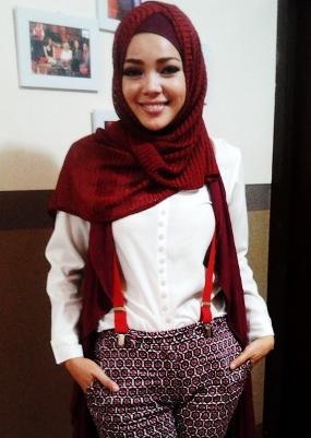 Sandra Dewi Berhijab
