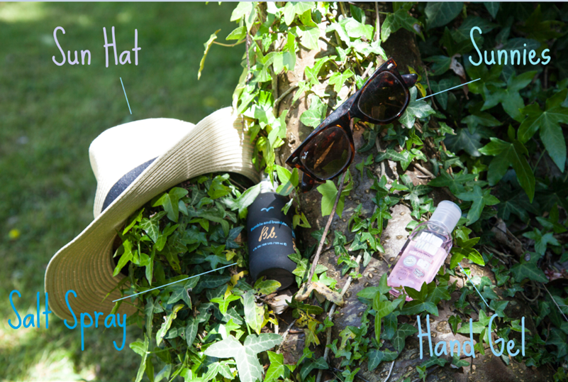 Holiday Essentials Sun Hat Bumble & Bumble Sea Salt Spray Ray Bans