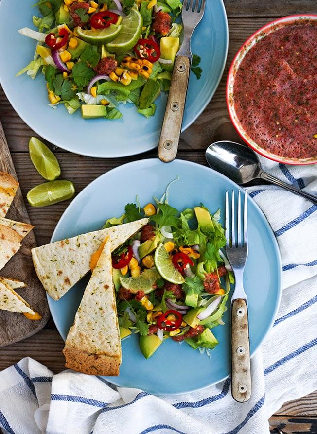 Quesadillas med mexikansk salat og pico de gallo