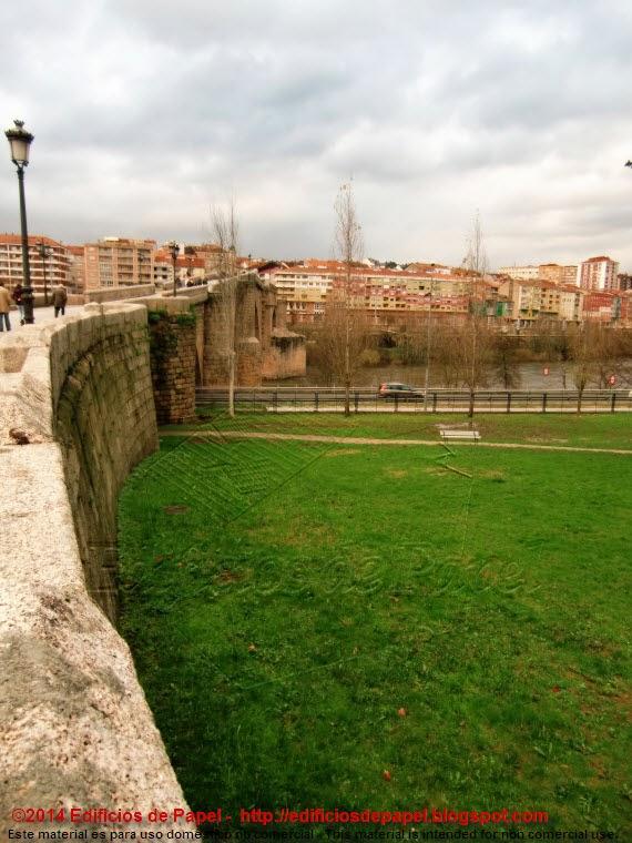 Vista a lo largo del Puente Romano de Ourense - EdP