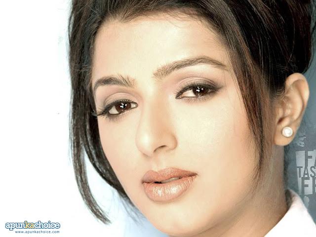 Karishma Kapoor hd wallpapers