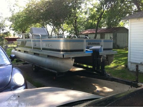 Big bass classifieds 20 39 grumman pontoon boat for sale for Craigslist used fishing boats
