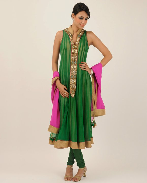 Download this Party Dress For Mehendi Night picture