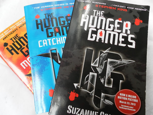 A picture of the The Hunger Games book trilogy