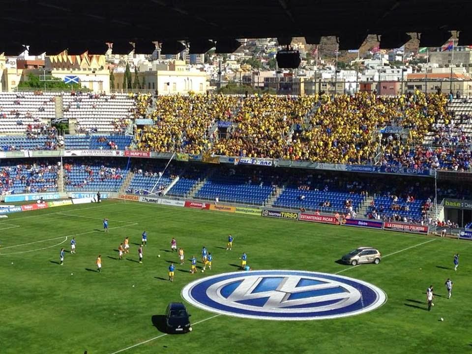 Afición amarilla desplazada a Tenerife