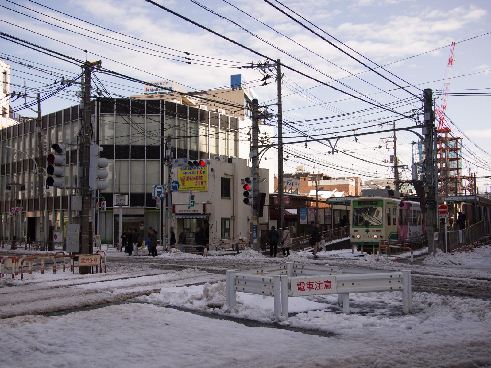 大雪後の町屋