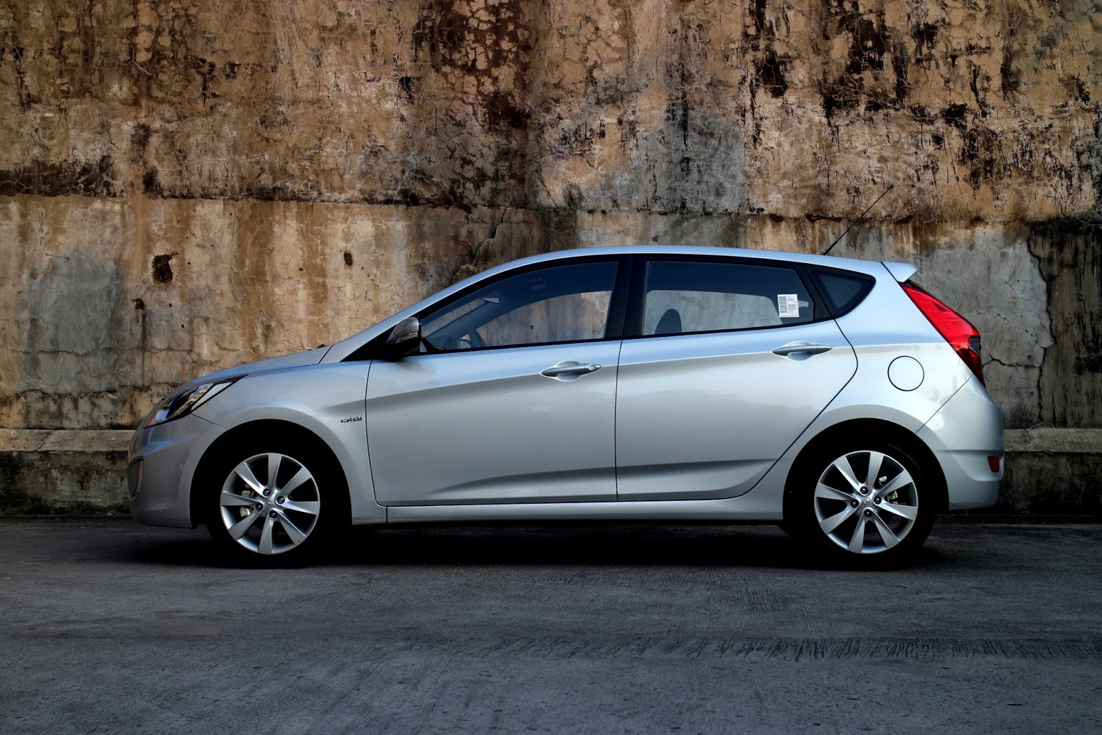 Review 2013 hyundai accent crd a t