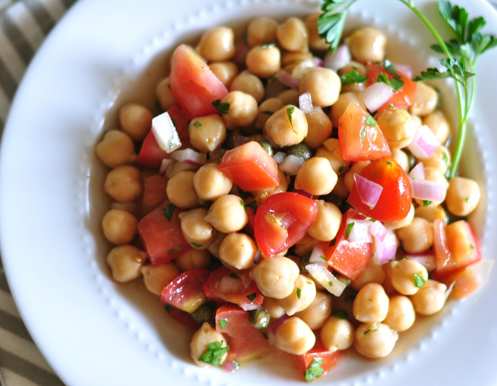 mediterranean chickpea salad 1 25oz can of chickpeas garbanzo beans i ...