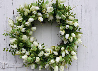 Green Tulip Wreath