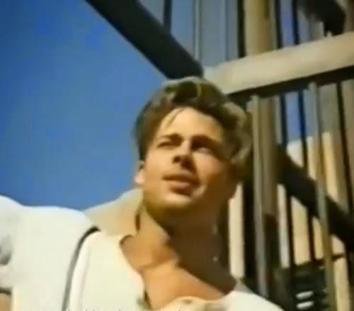Propaganda do Jeans Levi's em 1991. O protagonista da campanha dói o ator Brad Pitt com os seus 28 anos de idade.