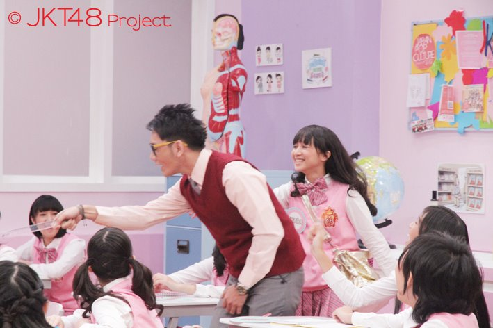 Suasana kelas JKT48 School episode 6